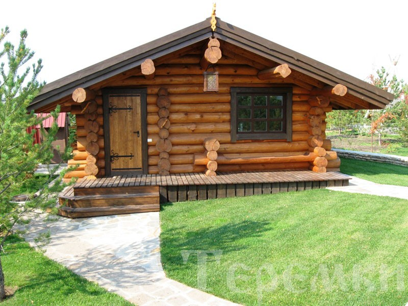 Russian sauna with russian round notch